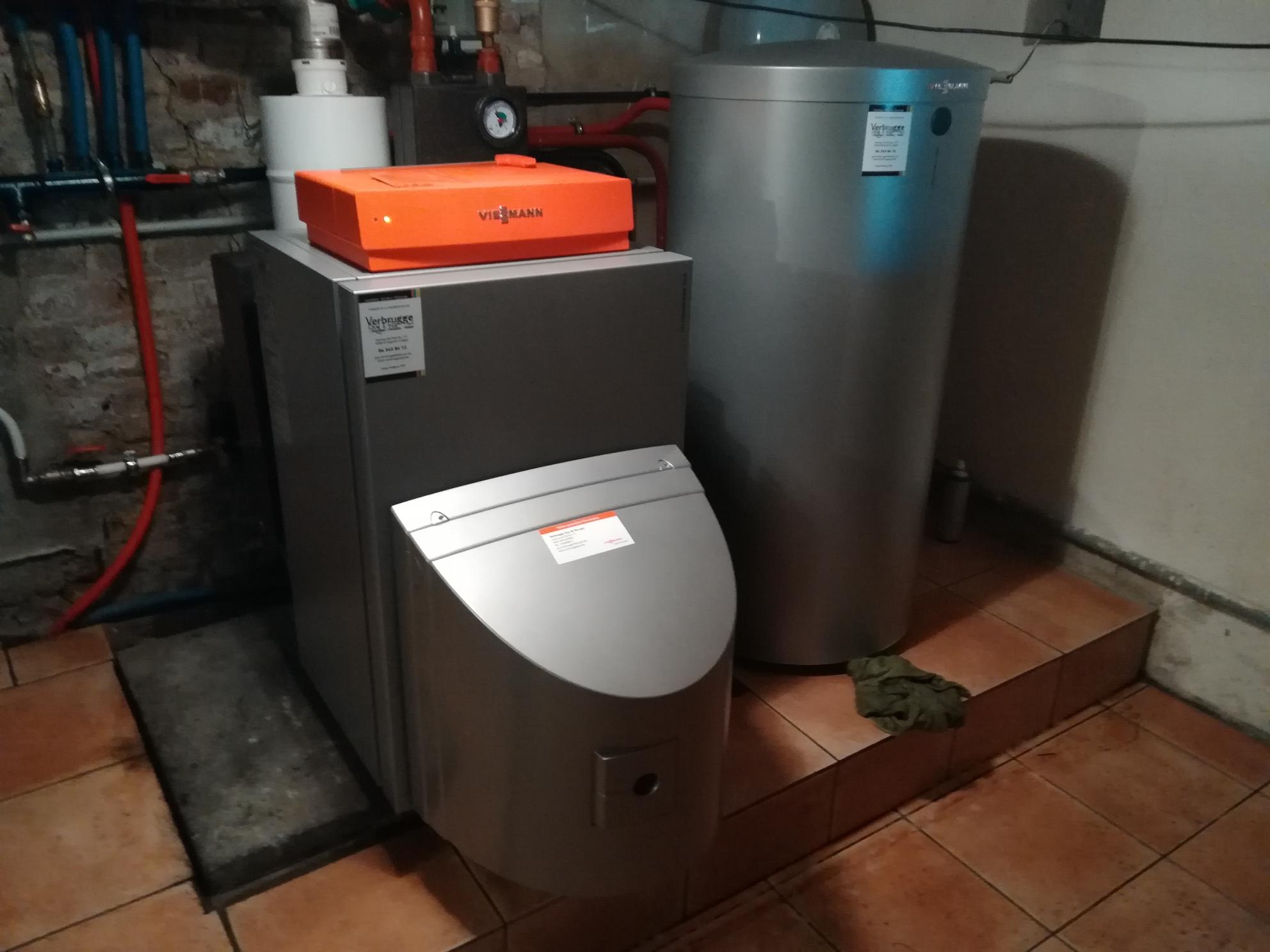 Chaudière mazout à condensation VIESSMANN VITORONDENS 200 + production d'eau chaude par boiler VITOCELL 100