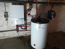 Chaudière gaz à condensation VAILLANT ECOTEC PLUS VC306 + production d'eau chaude par boiler VIH150
