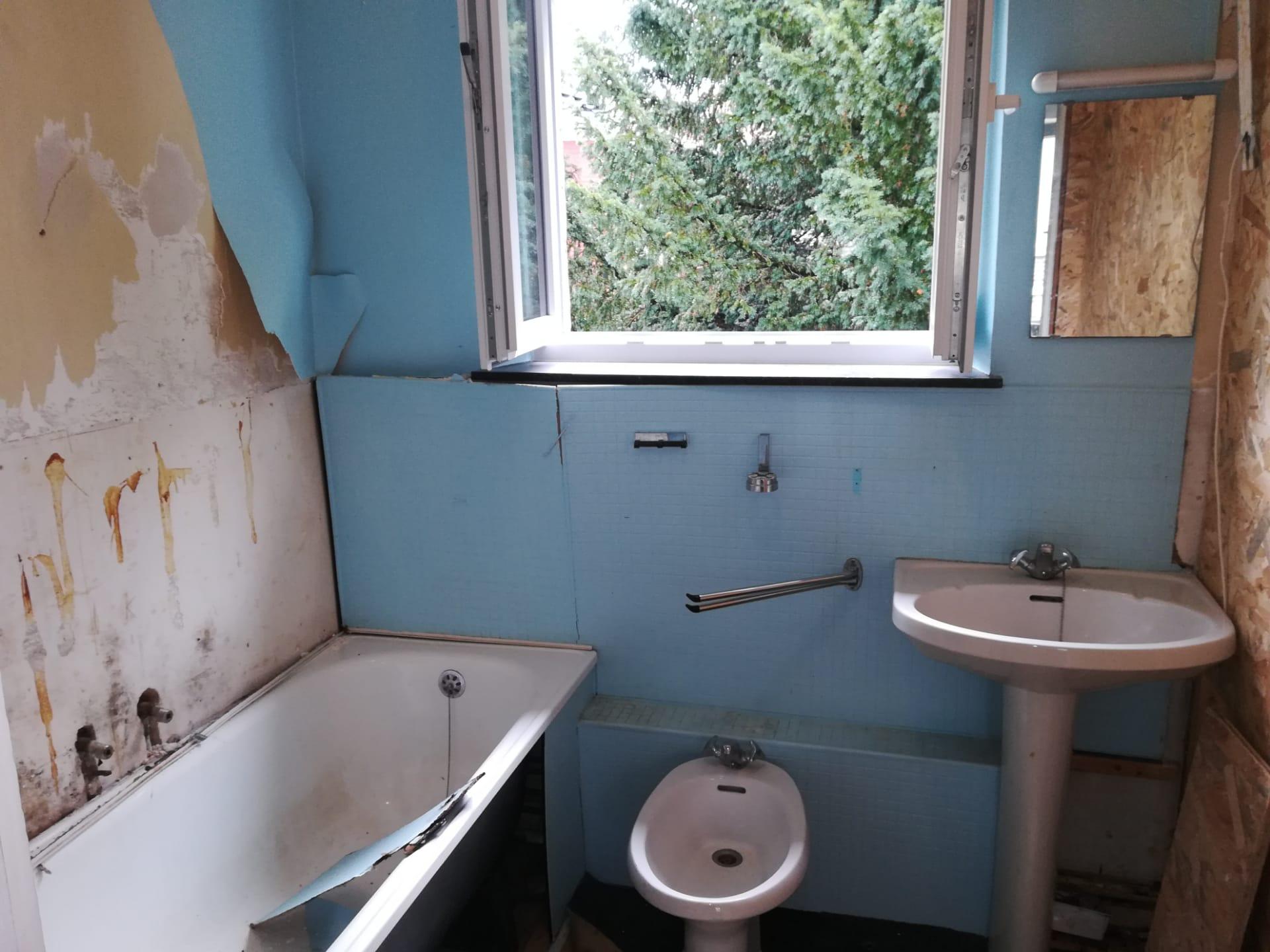 Aménagement complet d'une salle de bain AVANT/APRES