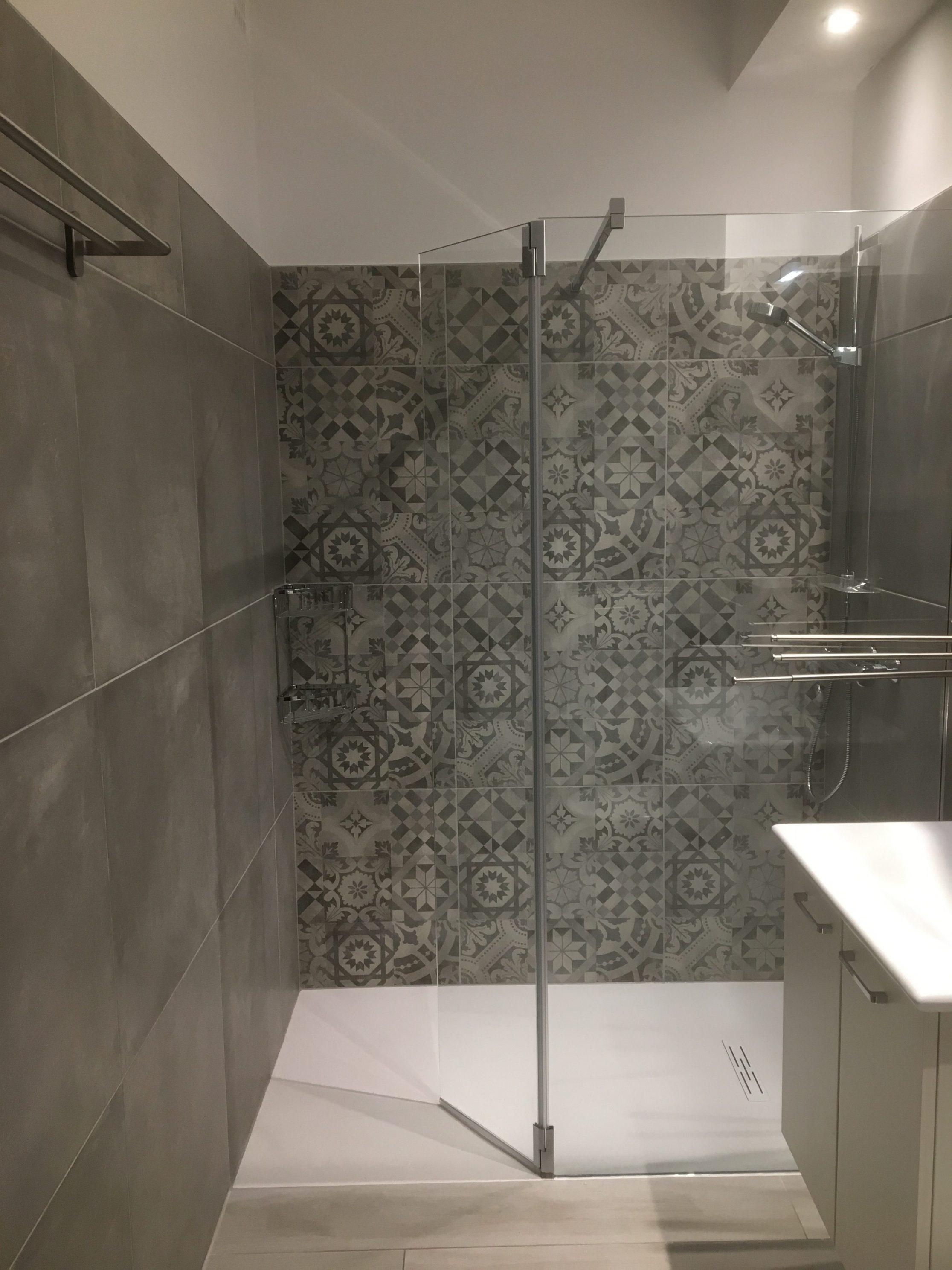 Aménagement salle de bain de A à Z  AVANT/APRES